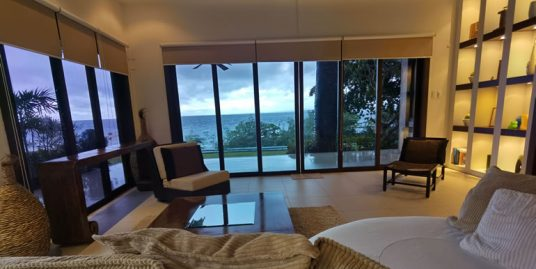 Beachfront Villa in Mactan For Sale